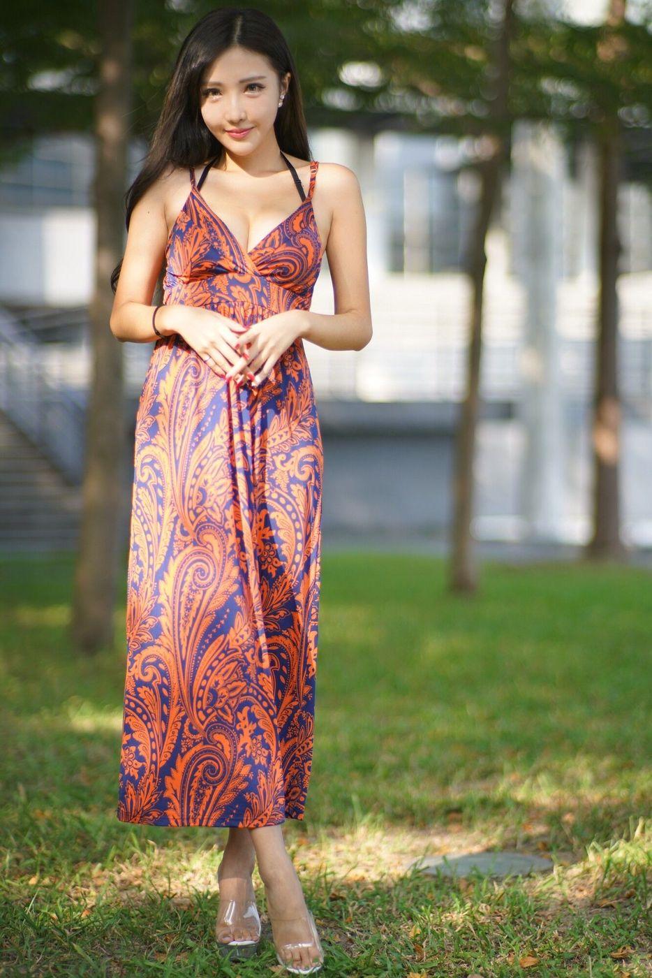 长裙美女美腿爆乳腿模台湾美女性感女神-[赵芸]超高清写真图片|1620109724更新