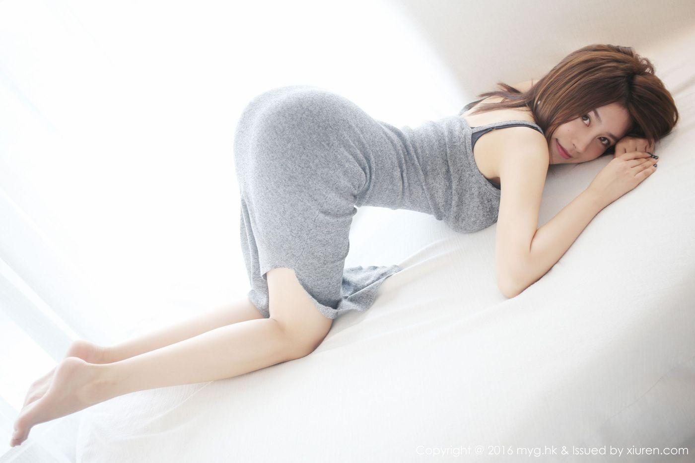 长裙美女黑丝美腿翘臀气质美女性感女神美媛馆-[许诺Sabrina]超高清写真图片|1620117185更新