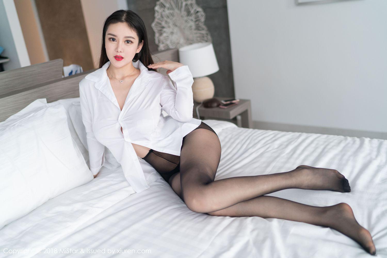 白衬衫巨乳黑丝美腿波涛胸涌爆乳美女模特魅妍社-[易阳Silvia]超高清写真图片|1620120393更新