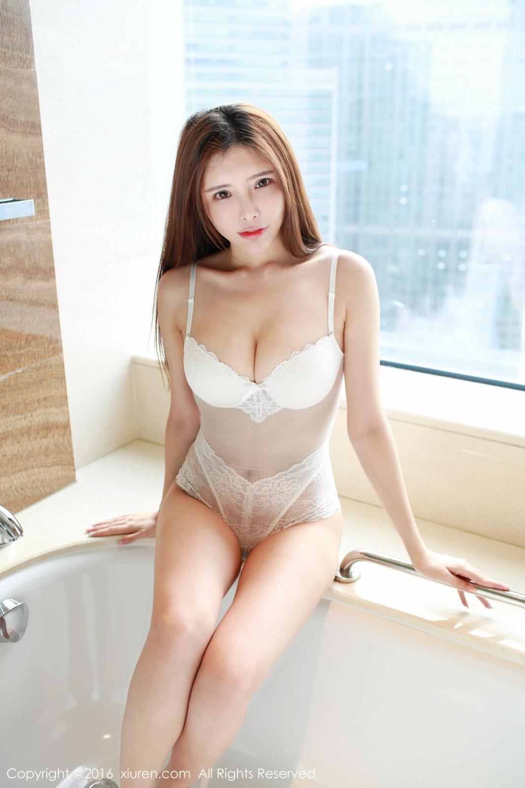 内衣诱惑美胸性感美女美女模特秀人网-[夏小秋]超高清写真图片 1620066374更新