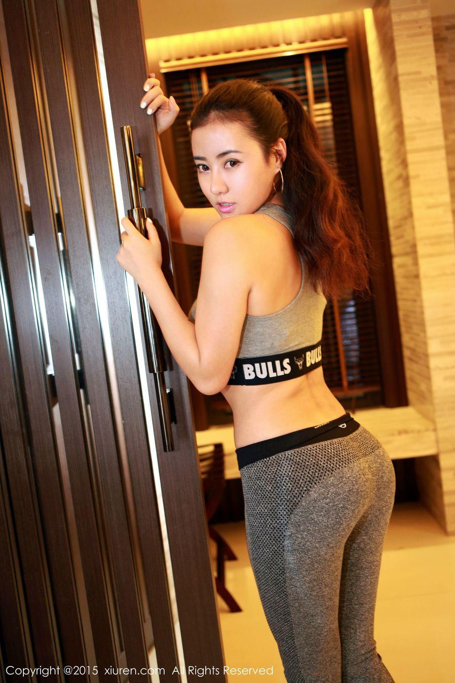 翘臀内衣诱惑美胸性感女神秀人网-[玛鲁娜]超高清写真图片|1620099957更新