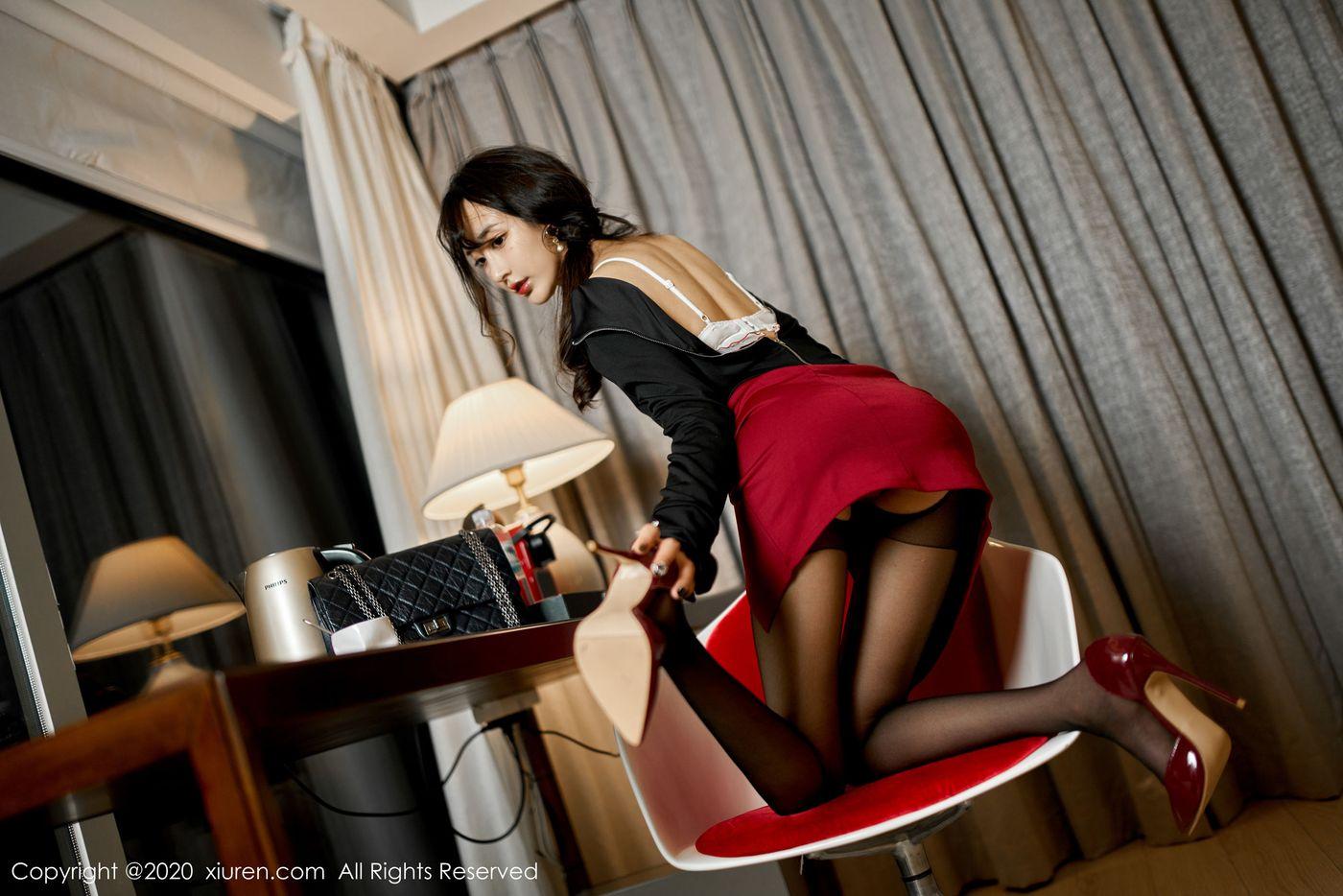 黑丝美腿内衣诱惑美胸嫩模翘臀美女模特秀人网-[林子欣]超高清写真图片 1620391372更新