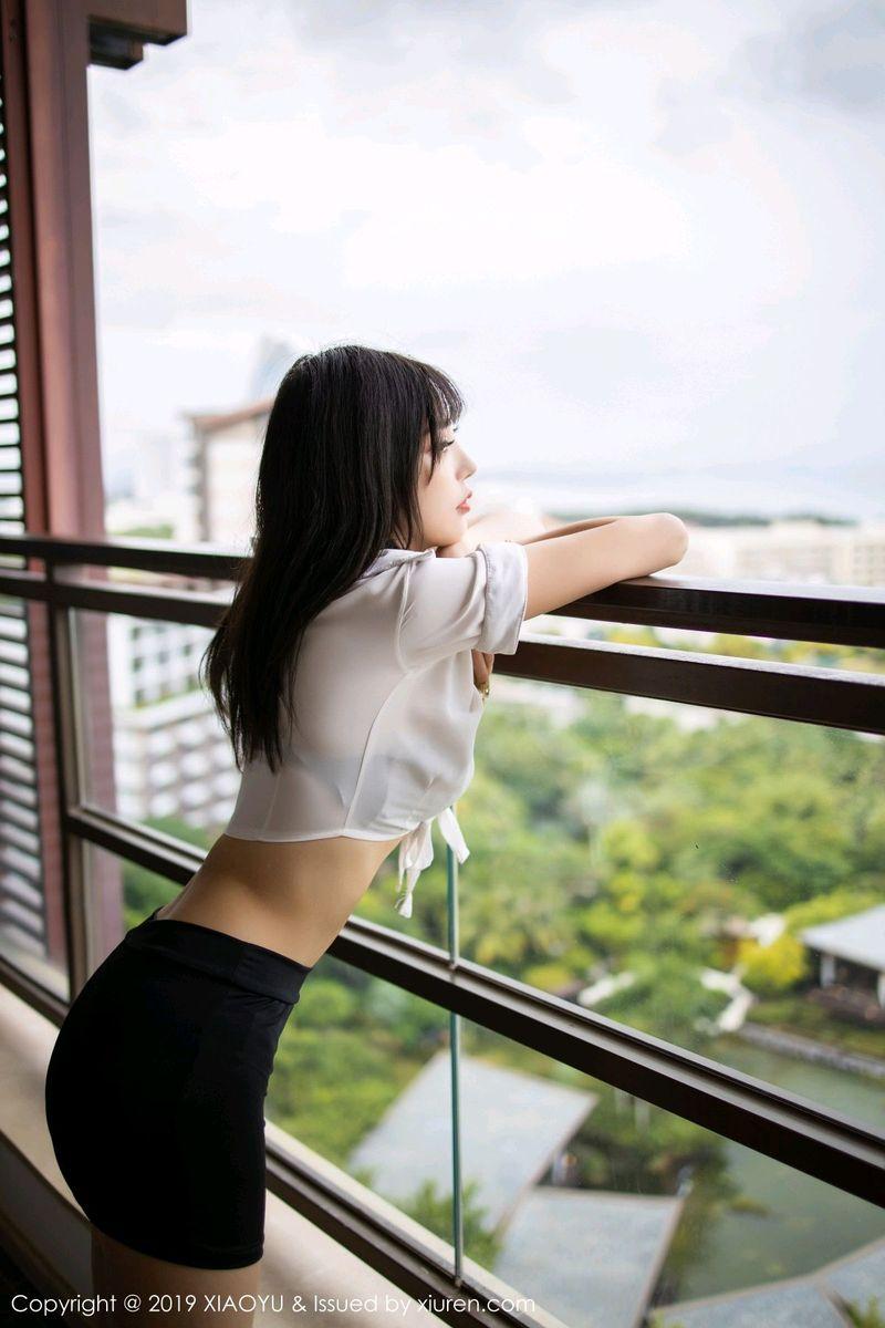 白衬衫黑丝美腿内衣诱惑超短裙气质美女性感女神语画界-[杨晨晨]超高清写真图片 1620244460更新