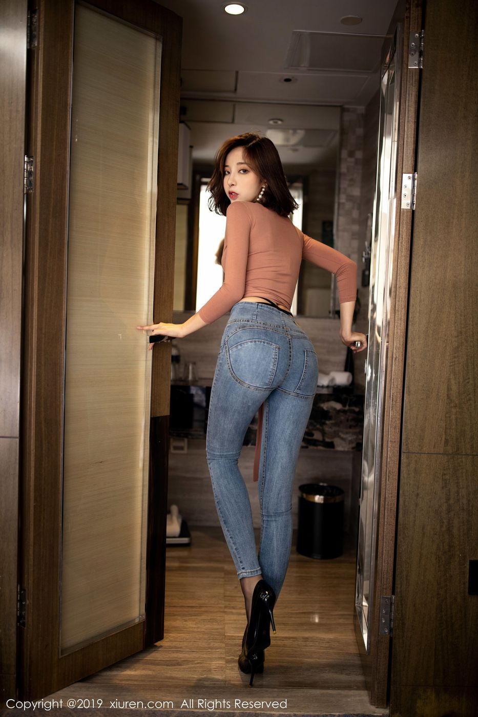 黑丝美腿内衣诱惑冷艳美女牛仔裤美女模特秀人网-[陈小喵]超高清写真图片|1620392412更新