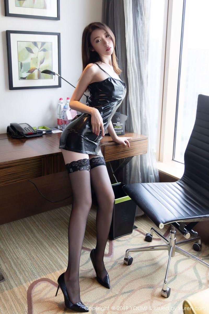 皮衣美女黑丝美腿大尺度翘臀美胸性感女神尤蜜荟-[梦心玥]超高清写真图片|1620260088更新