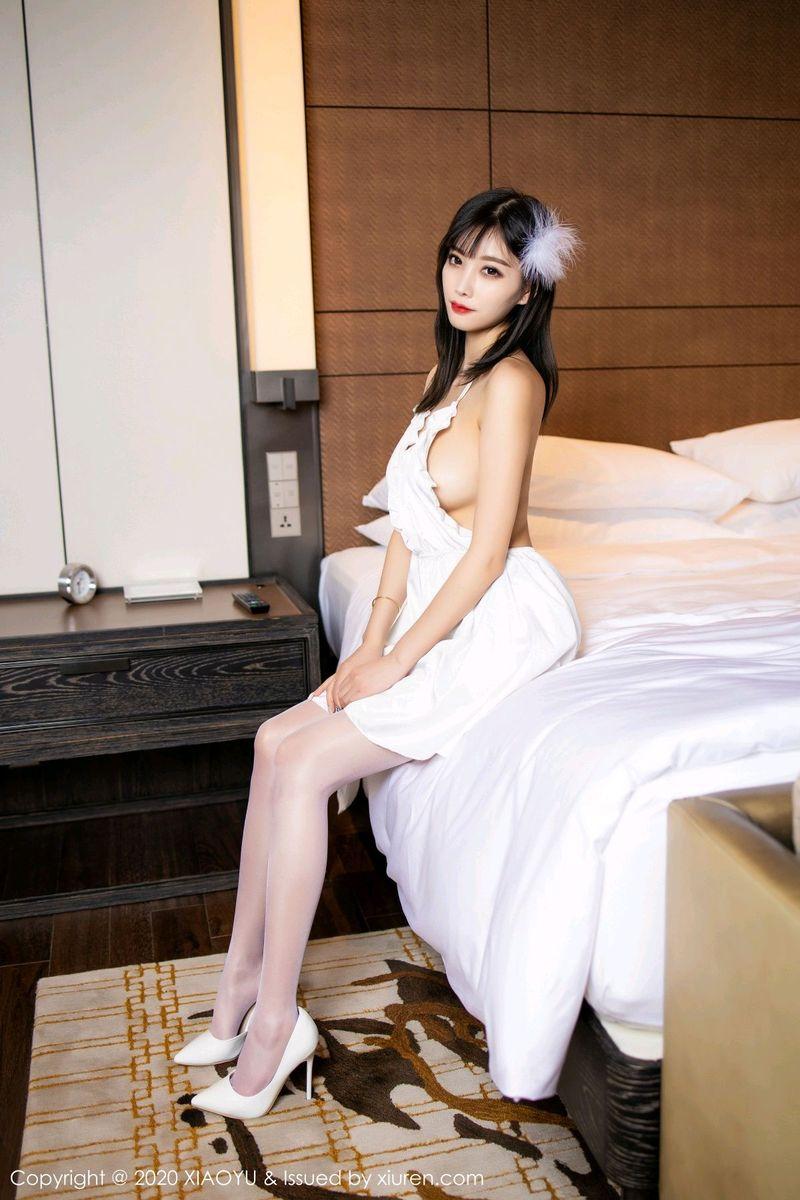 吊裙丝袜美腿湿身诱惑翘臀浴室美女性感女神语画界-[杨晨晨]超高清写真图片 1620261787更新