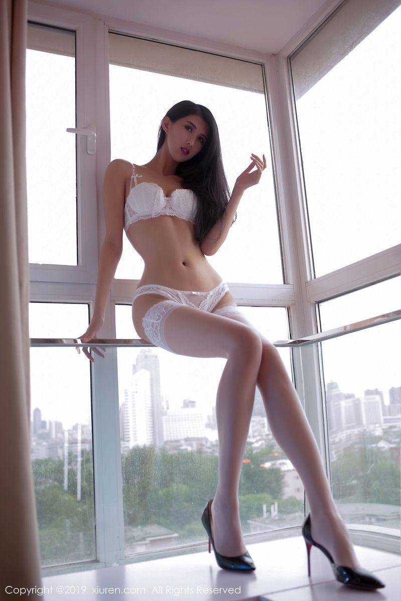 丝袜美腿内衣诱惑长发美女腿控福利性感女神秀人网-[葛征Model]超高清写真图片|1620264804更新
