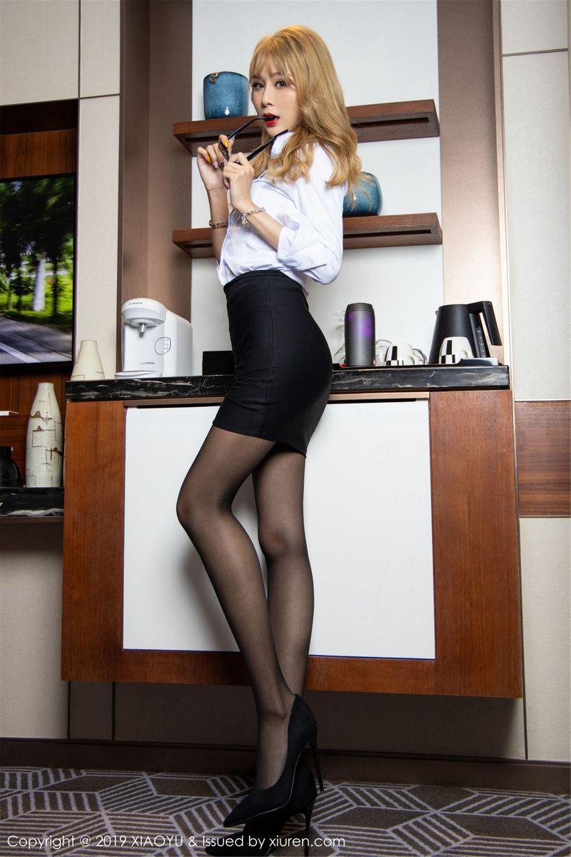 黑丝美腿制服诱惑女秘书白衬衫超短裙内衣诱惑性感女神语画界-[冯晞雯]超高清写真图片|1620297810更新