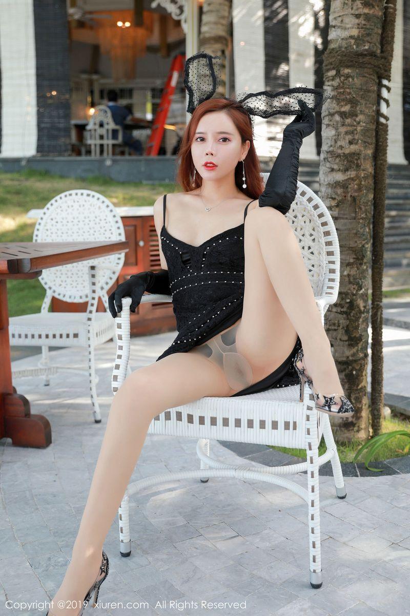 丝袜美腿沙滩美女兔女郎御姐美女模特性感女神秀人网-[艾小青]超高清写真图片 1620316540更新