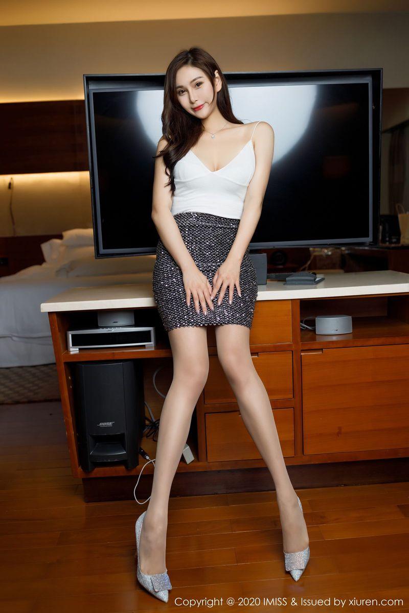 丝袜美腿内衣诱惑翘臀长发美女气质女神爱蜜社-[Lavinia肉]超高清写真图片 1620327921更新