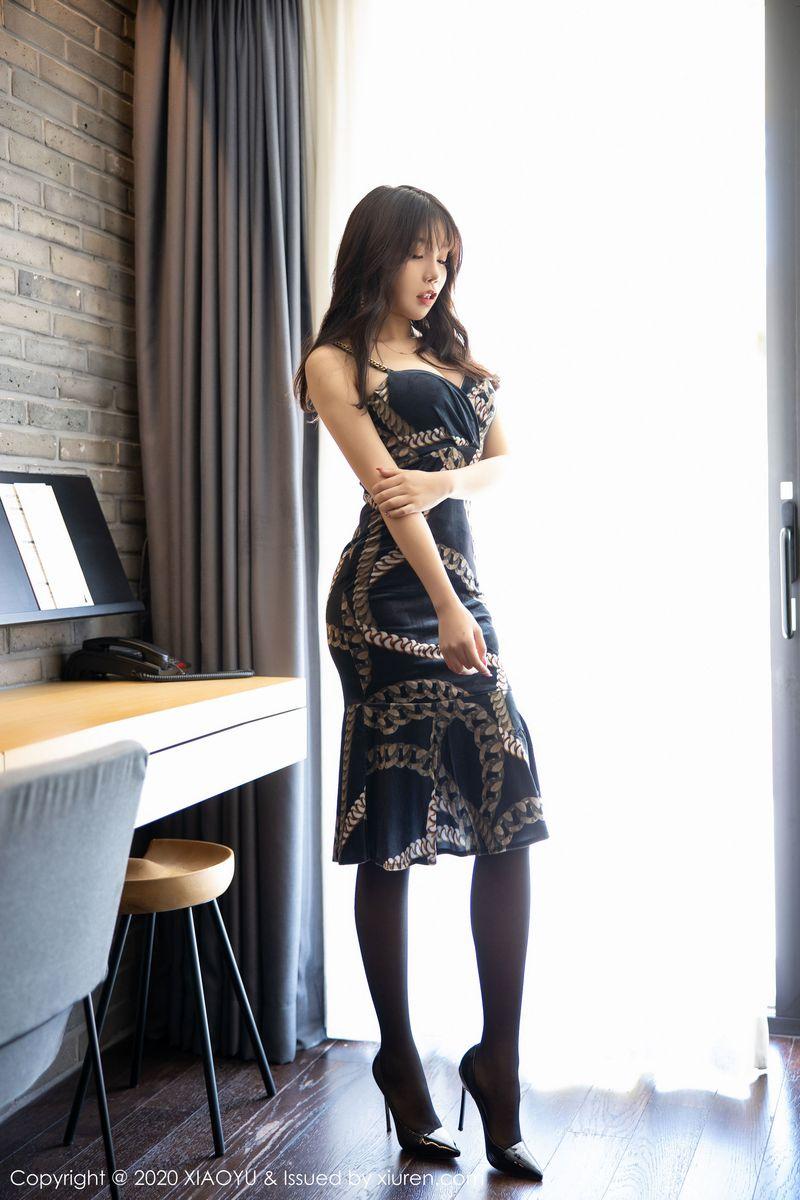 吊裙黑丝美腿高跟鞋翘臀内衣诱惑大尺度性感女神语画界-[芝芝Booty]超高清写真图片 1620338976更新
