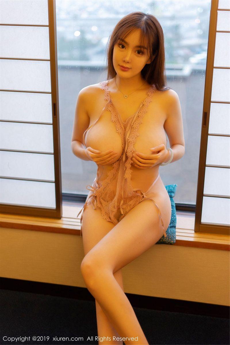 制服诱惑丝袜美腿情趣内衣大尺度爆乳性感女神秀人网-[易阳Silvia]超高清写真图片 1620346736更新