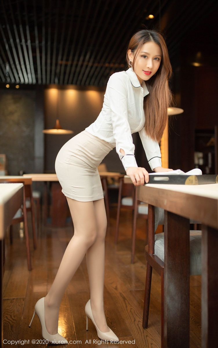 职场OL丝袜美腿内衣诱惑高跟鞋美女模特秀人网-[徐安安]超高清写真图片|1620358677更新