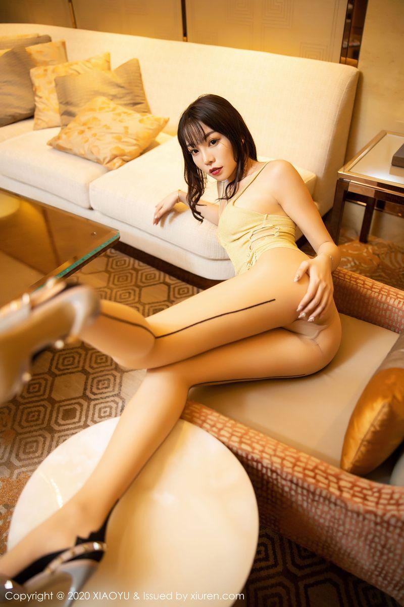 吊裙丝袜美腿美胸职场OL私房照性感女神语画界-[芝芝Booty]超高清写真图片|1620370912更新