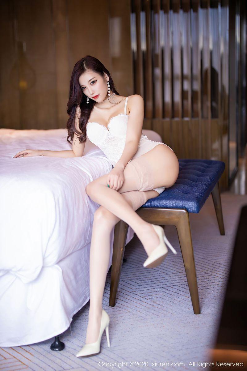 丝袜美腿高跟鞋轻熟女翘臀腿控福利性感女神秀人网-[杨晨晨]超高清写真图片 1620408643更新