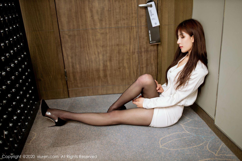 黑丝美腿职场OL女秘书翘臀内衣诱惑美女模特秀人网-[林文文]超高清写真图片|1620430221更新